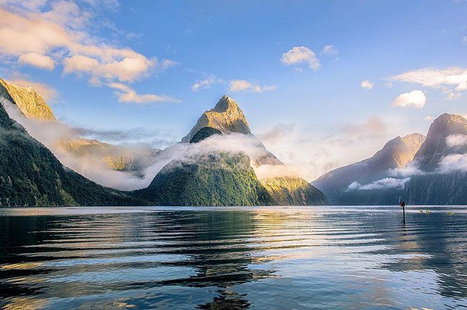 Milford Sound Small Group Tour Including Cruise & Lunch from Queenstown