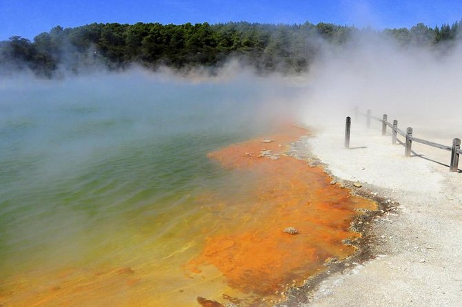 Rotorua Highlights Small Group Tour including Wai-O-Tapu from Auckland
