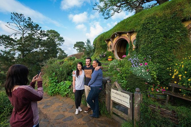 Hobbiton & Waitomo Caves Small Group Tour incl BBQ Buffet Lunch from Auckland