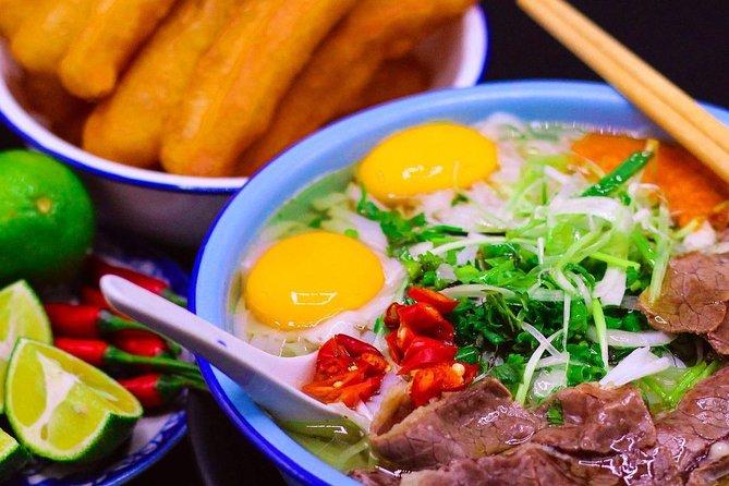 Half Day Hanoi Premium Food Tour with Train Street Visit