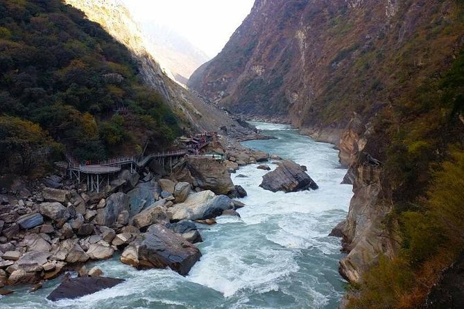 2-Days Lijiang Tiger Leaping Gorge Hiking Tour and drop off at Lijiang area