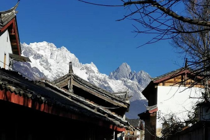 2-Days Private Lijiang Tour with the Old towns, Villages, Snow mountain and Show