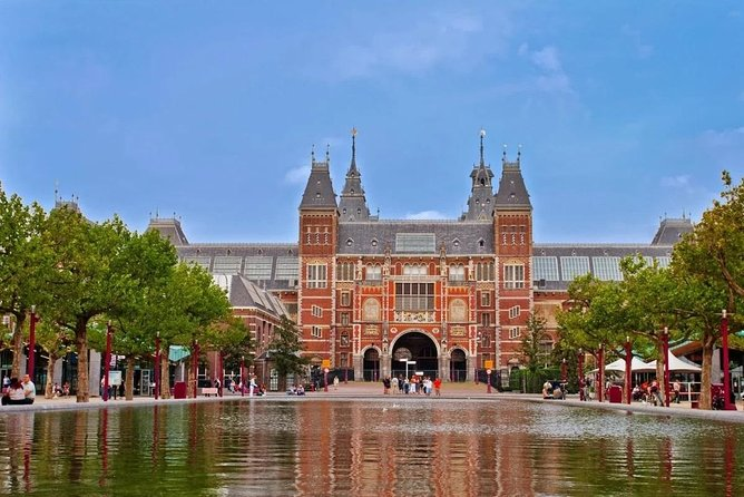 Private Shore Excursion: The Best of Amsterdam on a panoramic tour
