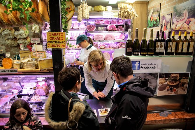 Wine & Food Experience in the Historic Market of Padua