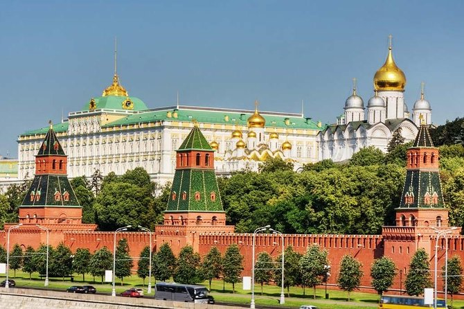 Kremlin Skip-the-Line Ticket and 40-min Introduction Tour