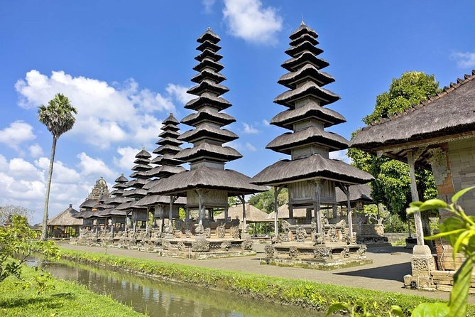 Private Chartered Car to Ubud Villages and Tanah Lot