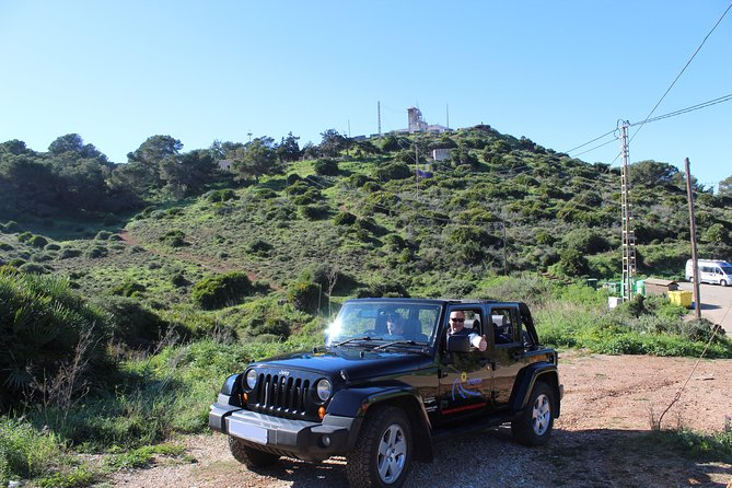 "Stunning Jeep Wrangler ""The Rockstar Tour"" (4 Hours - Min of 4 Passengers) photo 2"