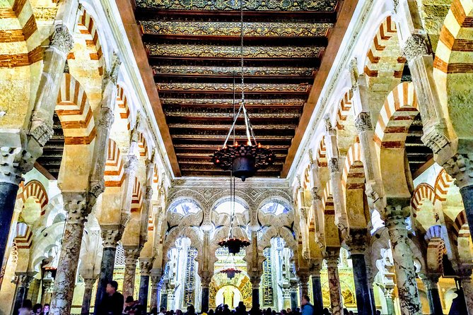 Guided Tour Jewish Quarter and Mosque-Cathedral of Córdoba with tickets