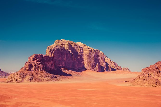 Jeep Tour in Wadi Rum with Professional Guide (Full day)