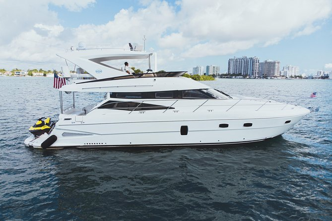 2 Hr Yacht Charter in Miami - 58' Neptunus Flybridge with Capt & Crew - You+12