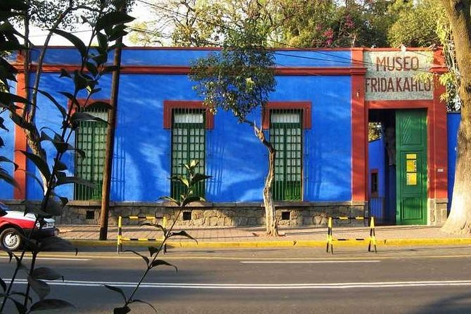 Xochimilco, Coyoacán and Frida Kahlo Museum in 1 day