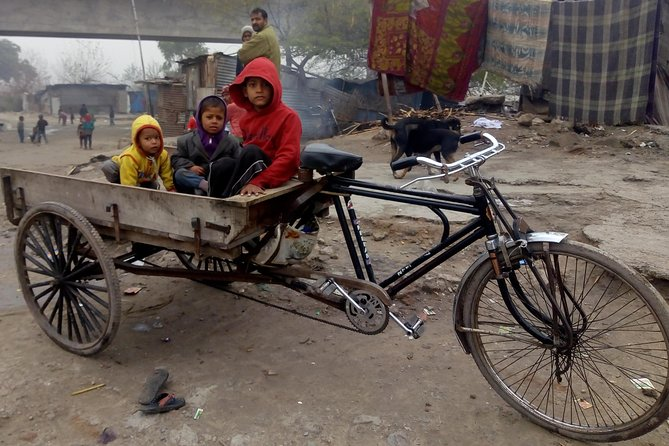 Slum Walk & Meal Tour in New Delhi