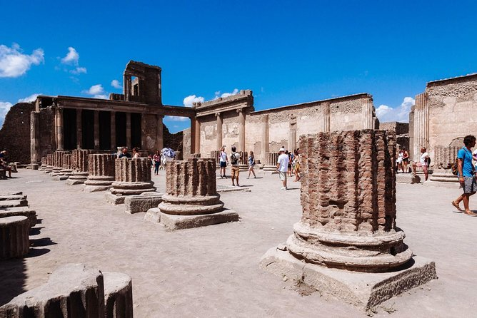 Transfer from Rome to Naples with stop 2 hours at Pompeii excavations