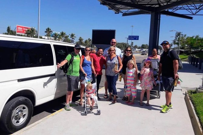 Acapulco Airport Shuttle Service to Diamond-Golden & Old Acapulco (ROUND TRIP) photo 1