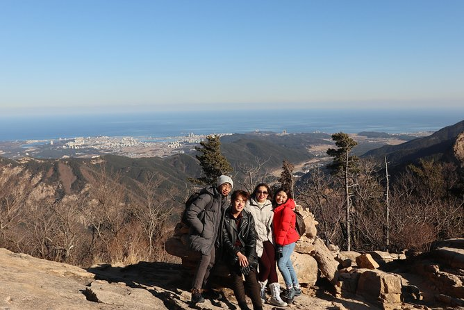 Private Trip in Mt Seorak & East Sea with a Photographer Tourguide!!