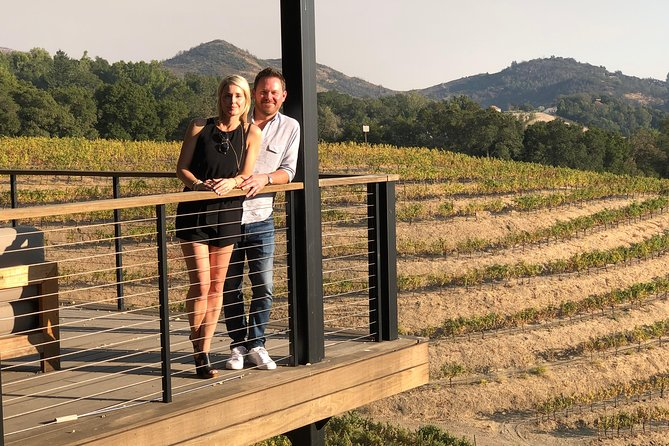 6-Hour Exclusive Wine Tour Experience for up to 6 Guests / Napa-Sonoma