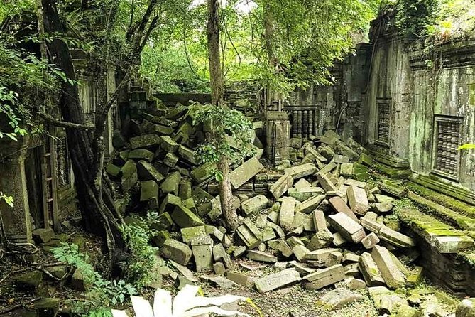 3 day private tour: Angkor,waterfall,Beng Mealea,floating village,Banteay srei. photo 6