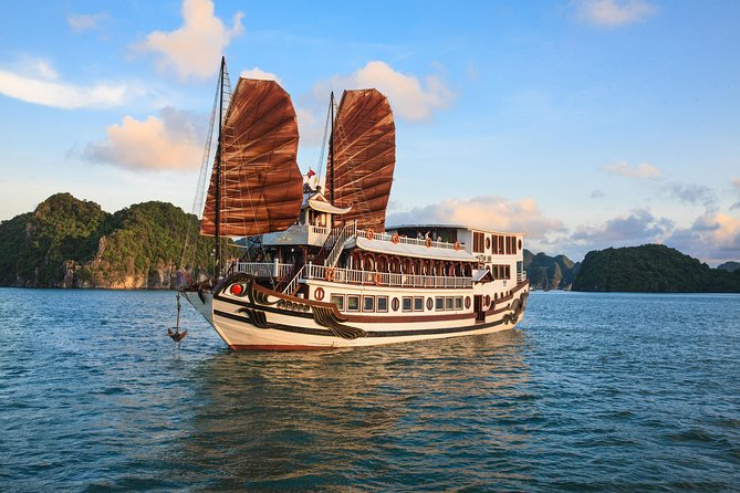 Experience 2 days 1 night on Traditional Boutique Halong Cruise