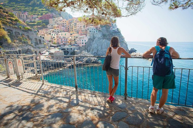 Cinque Terre Private Guided tour by ferry-boat or train from La Spezia