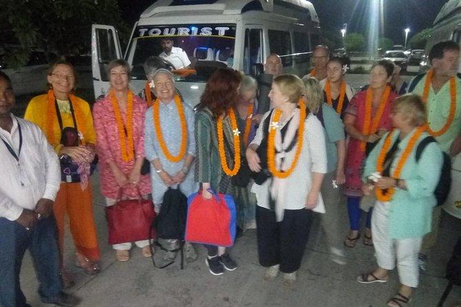Full Day Varanasi and Sarnath Tour for Solo Female Traveler