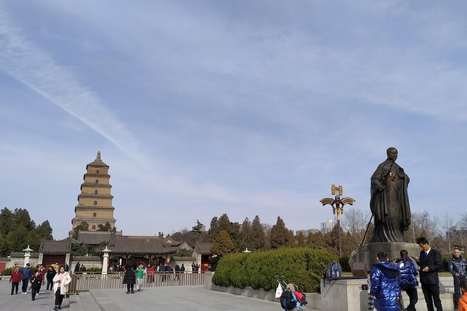 Xian City Wall and Big Wild Goose Pagoda Tour With Airport Transfer