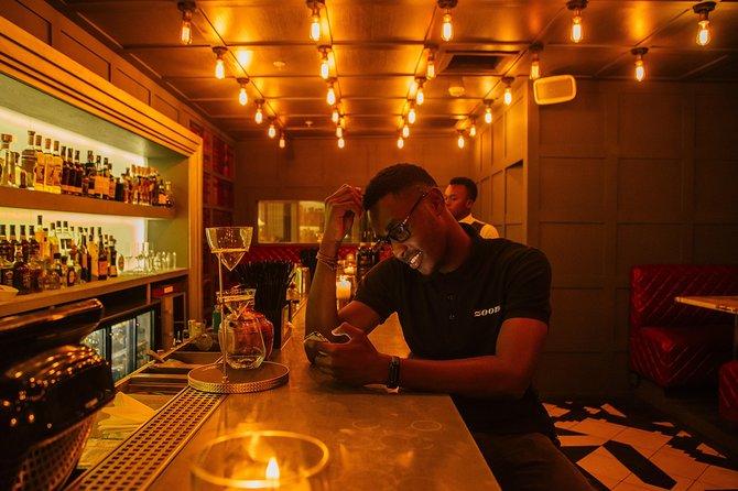 Descubra a vida noturna LGBT de Colônia com um local