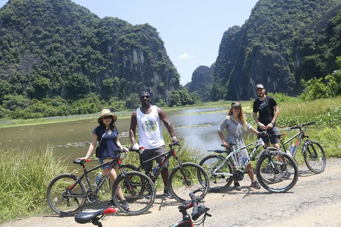 Hanoi bicycle full Day countryside Tour - Red River Delta - Rural Villages