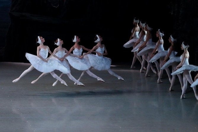 St. Petersburg Night Tour: Russian Ballet, Dinner and Famous Draw Bridges