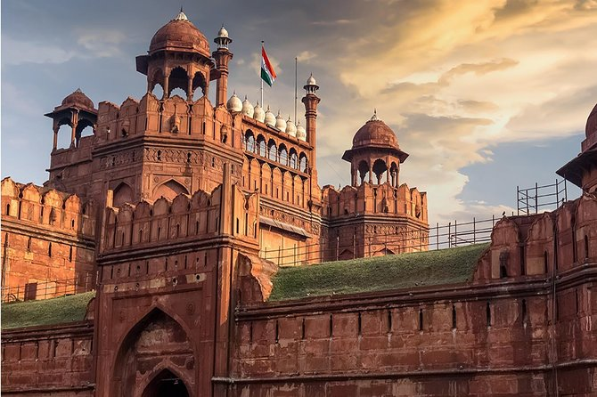 Time Travel at Red Fort— A Safe Guided Experience