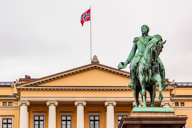 2 Hour Historical Walking Tour through Oslo with a Local Guide