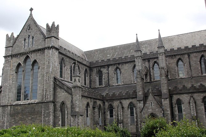 2 Hours Historical Walking Tour through Dublin with a Local