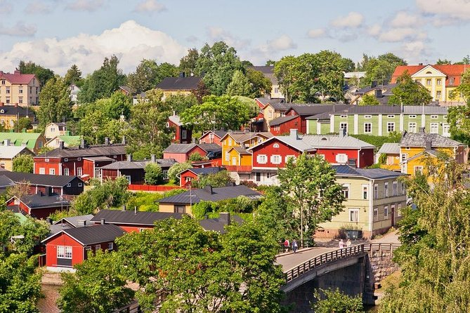 6 hour Private Tour: Helsinki Highlights and the Medieval village of Porvoo