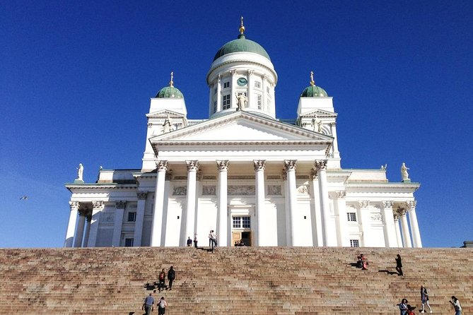 Helsinki Highlights and the Medieval Village of Porvoo