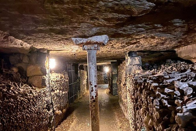 Catacombs Exclusive : Group Guided Tour with Direct Access photo 7