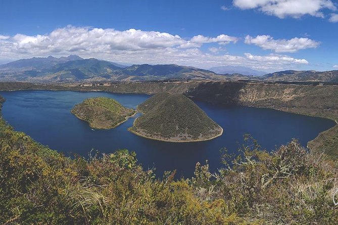 Private Day Tour Cuicocha Crater and Cotacachi Magical Town