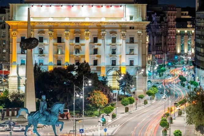 Bucharest panoramic tour (by car) and walking tour, Private photo 11