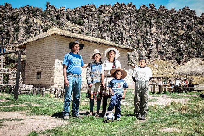 """2 day Tour Suyckutambo with overnight stay in Agriturismo """"Mayutinkuy"""""""