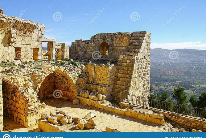 Visit Jerash and Ajloun to enjoy the vision of the ancient building art