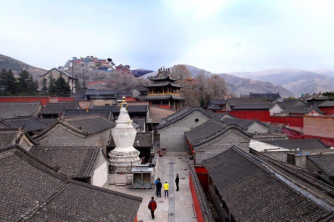 Private Day Tour to Discover Wutaishan from Taiyuan