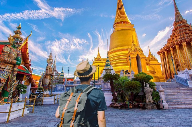 Guided Walking Tour of Grand Palace with Wang Lang Market
