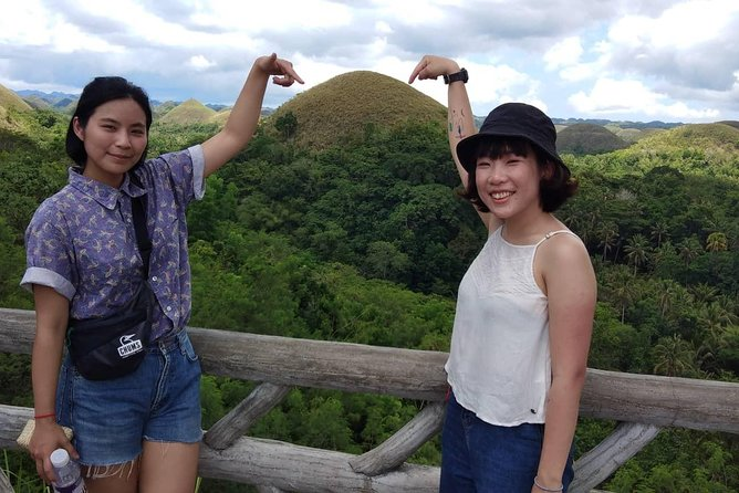 Chocolate hills tour with Tarsier & Loboc river Buffet Lunch (half-day tour)