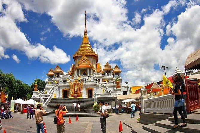 Join Half day Selfie Bangkok Temple & City Tour (mini 2 pax)
