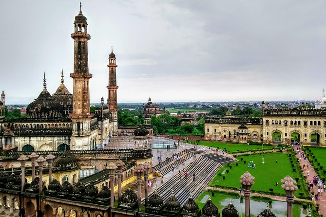 Lucknow Sightseeing With Monuments Entrances