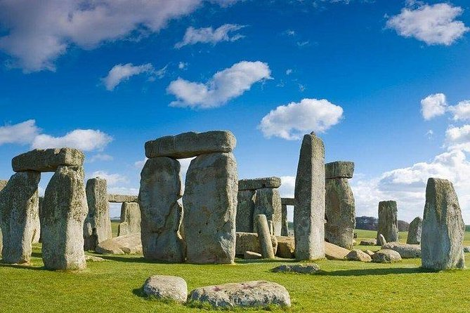 Winchester, Stonehenge & Salisbury Independent Full Day Private Tour