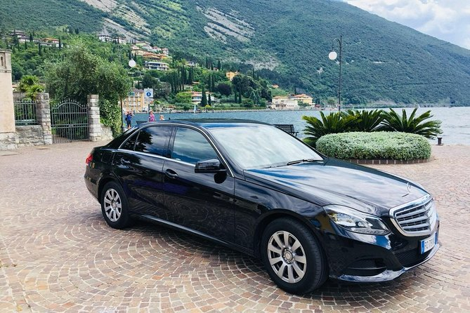 Formia - Fiumucino Rome Airport (FCO) / Private Departure Car Transfer