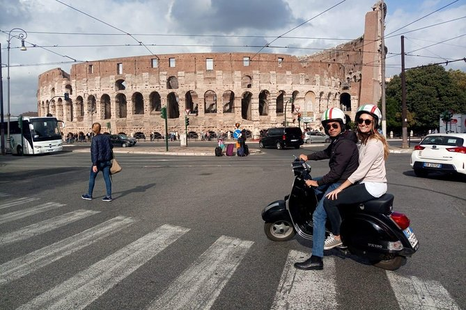 Rome by Vespa: Classic Rome Tour with Pick up