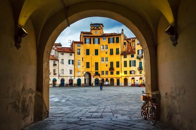 Exclusive Private Shore Excursion from Livorno port to Pisa and Lucca