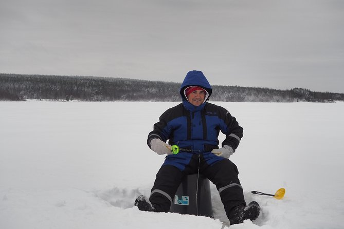 Relaxing Rovaniemi Ice Fishing Experience with Lunch. photo 6