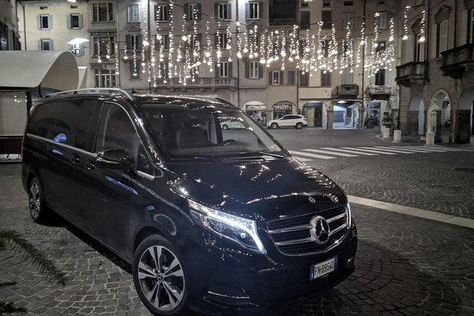 Private Airport Van Transfer to Hotels and Port in Napoli