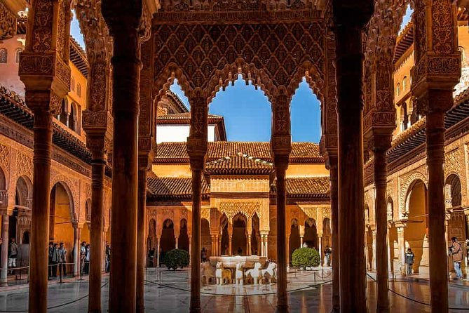 Alhambra, Nasrid Palace, and Generalife Tour : Exclusive 3-Hour ComBo Tour